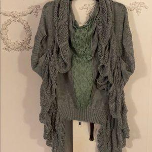 Sweaters - Unique loose knit sweater vest. SZ XL